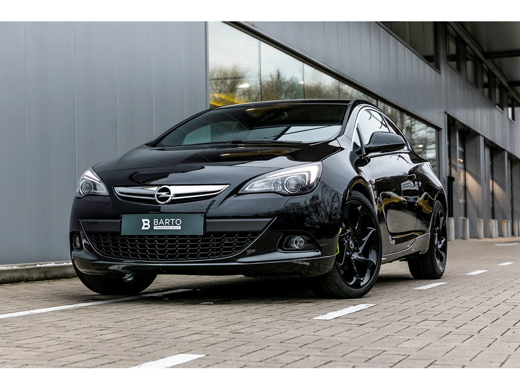 Tweedehands te koop: Opel Astra Zwart - 14b 140pk - Xenon - 20 - Leder -