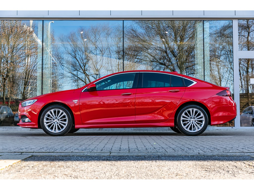 Tweedehands te koop: Opel Insignia Rood - GS165PKOPC lineMatrixLederCameraDodehoek