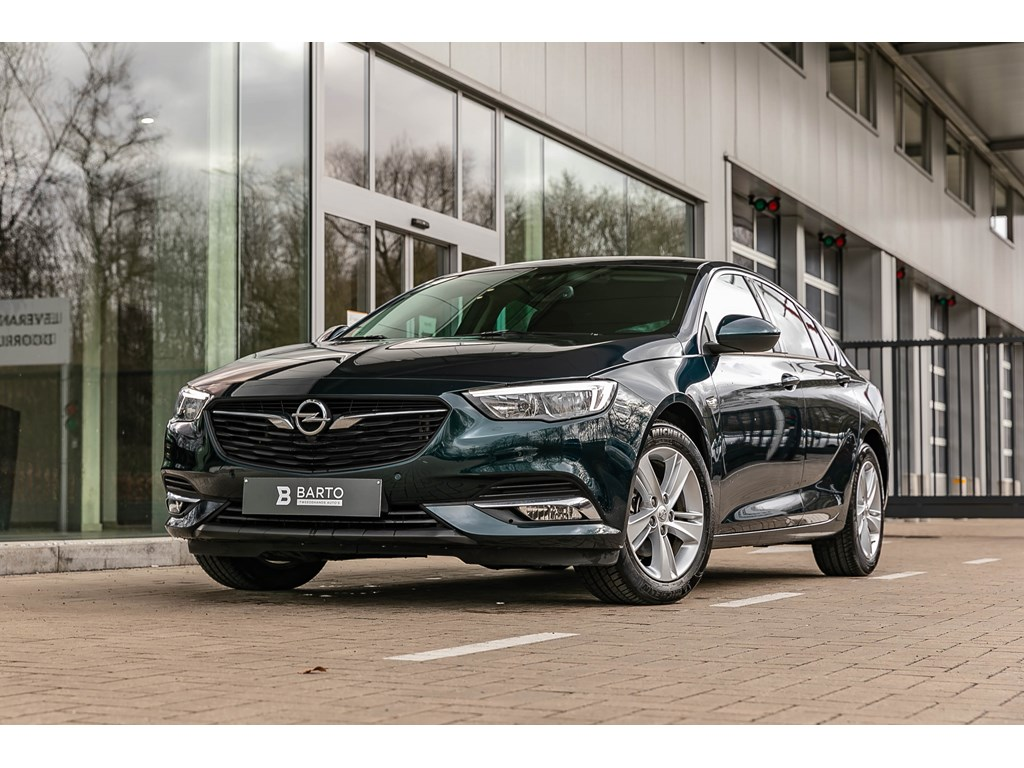 Tweedehands te koop: Opel Insignia Groen - 16d 110pk - Offlane - Botswrsch - Auto Lichten - Regensens - Weinig kms