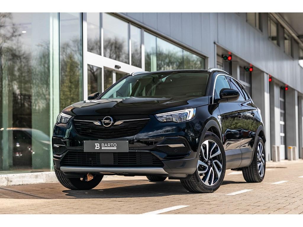 Tweedehands te koop: Opel Grandland X Zwart - 12b 130pk - AUTOMAAT - Offlane - Keyless - Dodehoeksens -