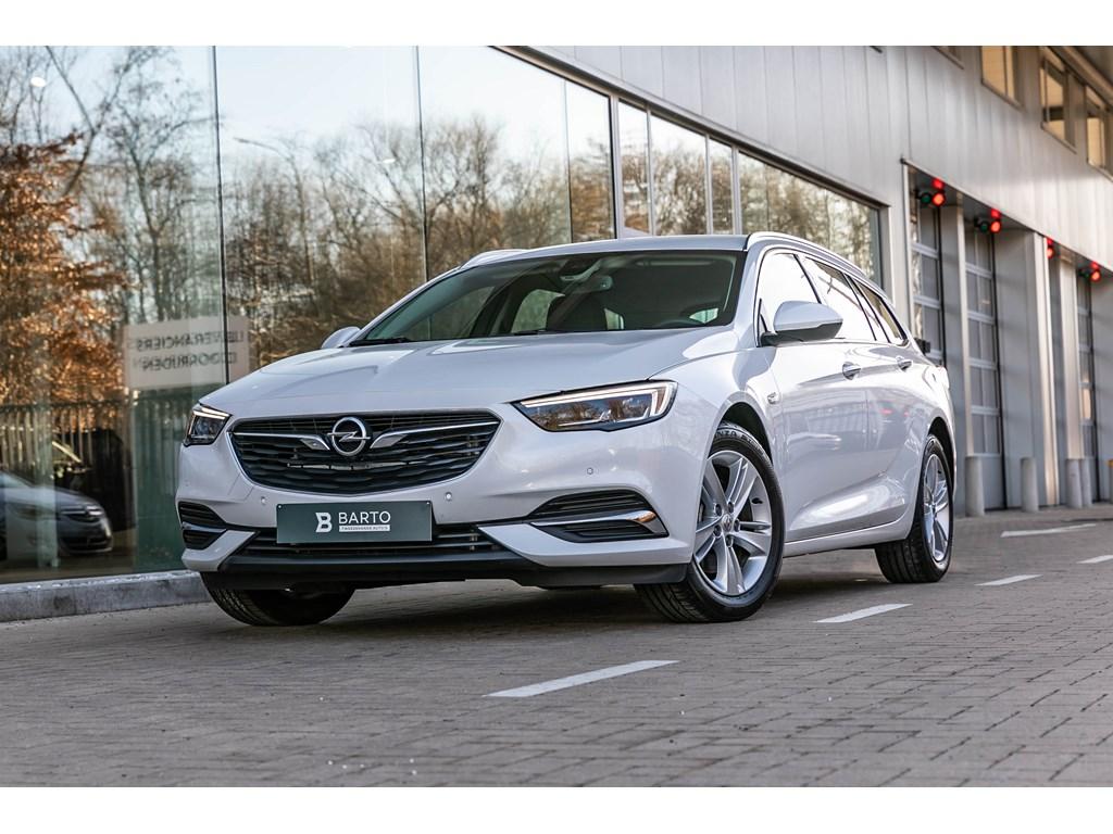 Tweedehands te koop: Opel Insignia Wit - 15b 165pk - Offlane - Botswrsch - LED Matrix - Verwarmde zetelsstuurwiel -