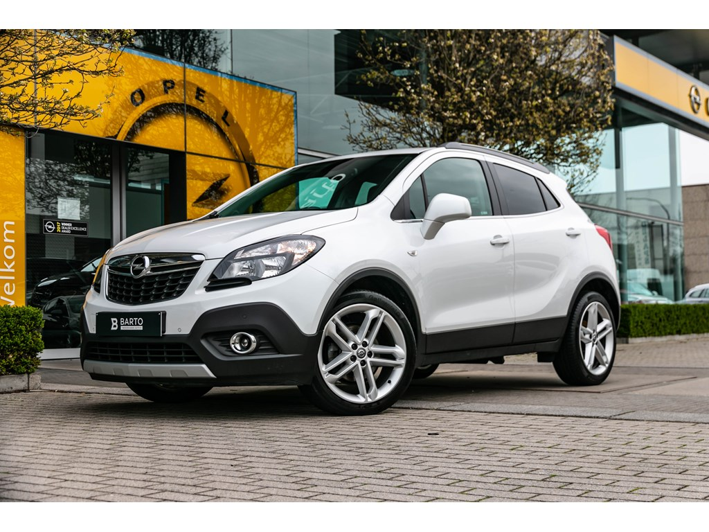 Tweedehands te koop: Opel Mokka Wit - 14b 140pk - Leder - Navi - 19 inch velgen - Trekhaak -