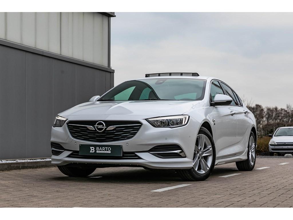 Tweedehands te koop: Opel Insignia Wit - 15b 140pkGSLederschuifdakOPCline intext