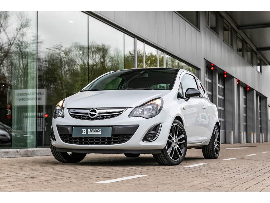 Tweedehands te koop: Opel Corsa Wit - 12 85pk - Black Edition - Parkeersens - Navigatie - Bluetooth -