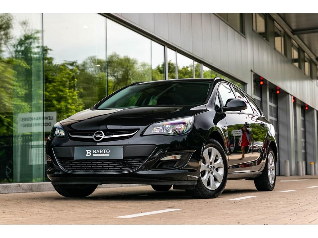 Tweedehands te koop: Opel Astra Zwart - 14 Turbo benzAuto LichtenRegensensorAfn Trekhaak