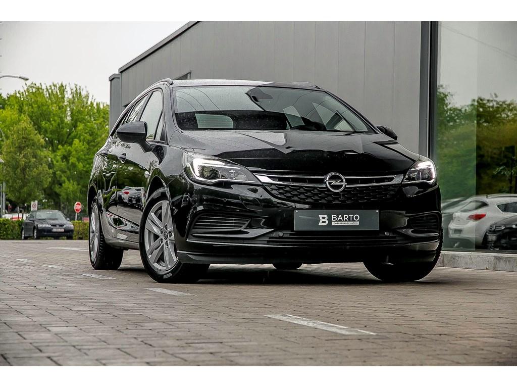 Tweedehands te koop: Opel Astra Zwart - 16 CDTI Navigatie Alu velgen All season banden Sensoren