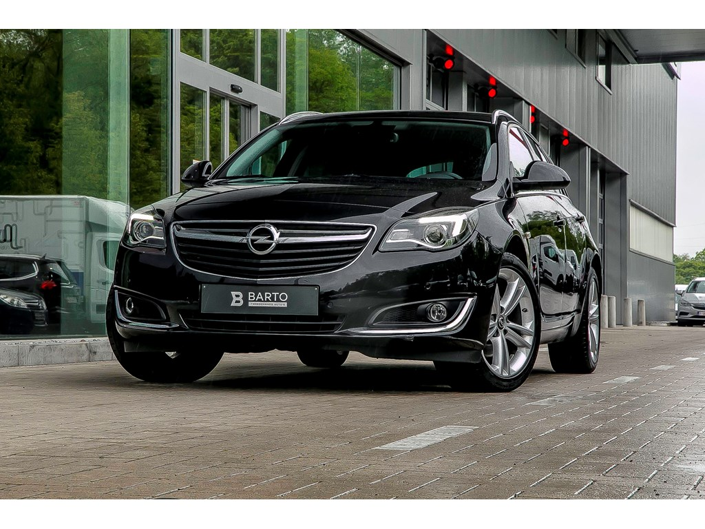 Tweedehands te koop: Opel Insignia Zwart - 16T Benz Sportzetels Camera Dodehoeksens 18 alu velgen