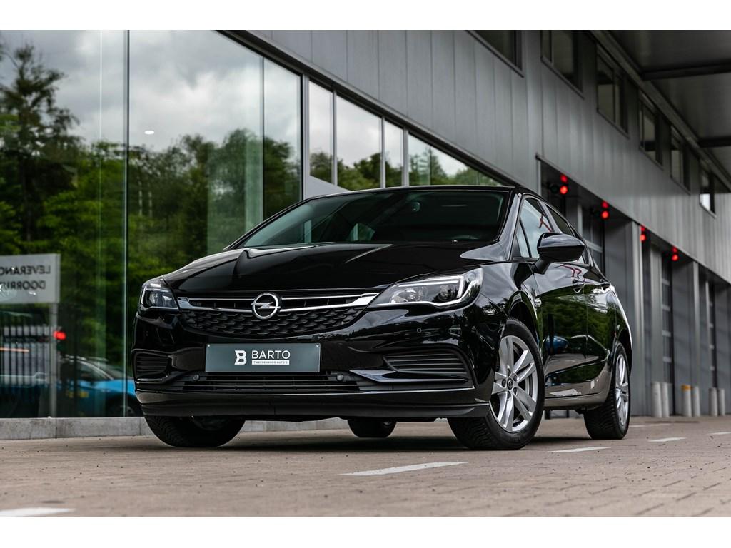 Tweedehands te koop: Opel Astra Zwart - 14T 125pk benz Navi Alu velgen Parkeersens VA