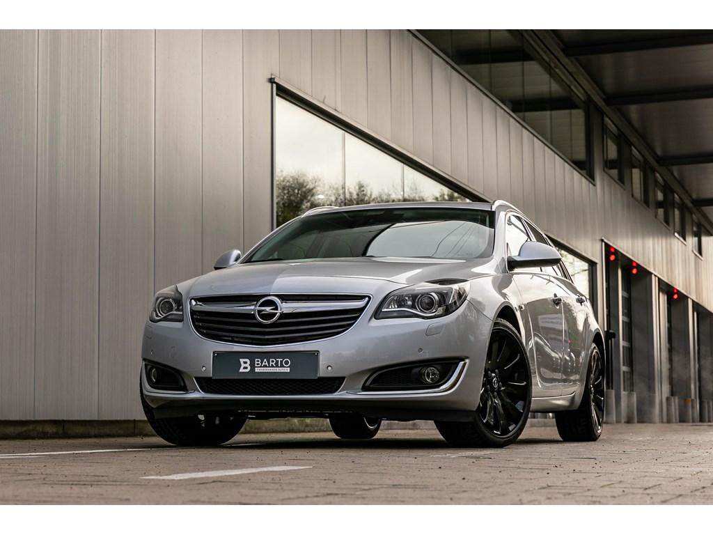 Tweedehands te koop: Opel Insignia Zilver - 16dieselXenonElektr KofferCameraZetelventilatie verwarmingCamera
