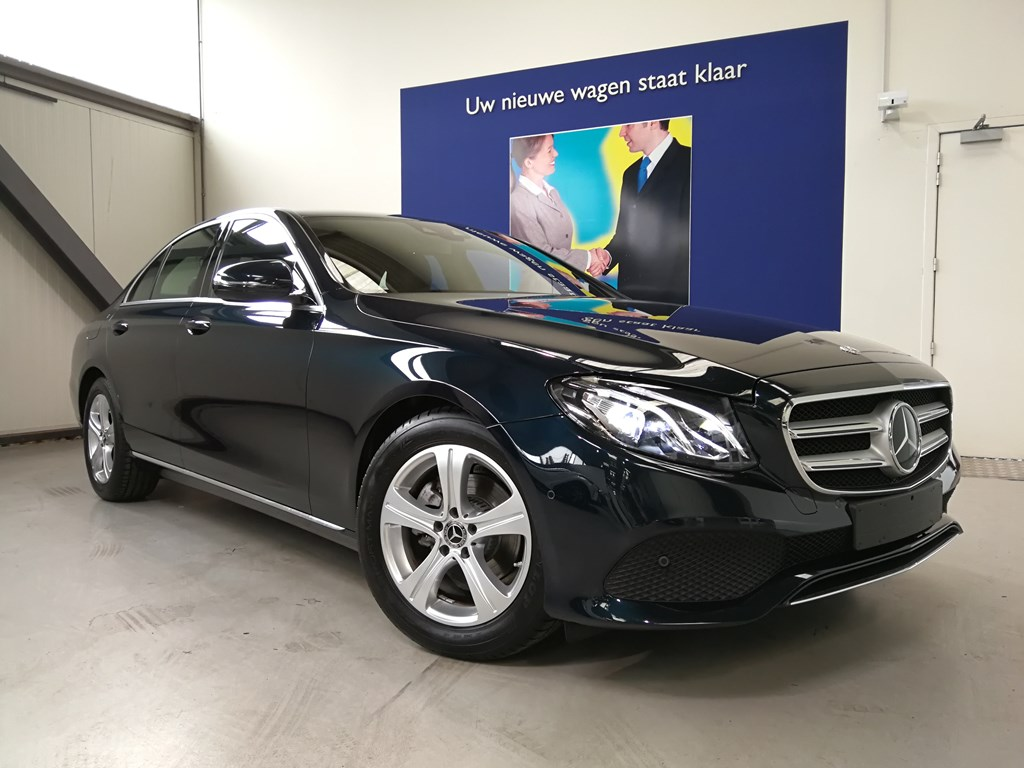 Mercedes-Benz E 200 4/5 Deurs