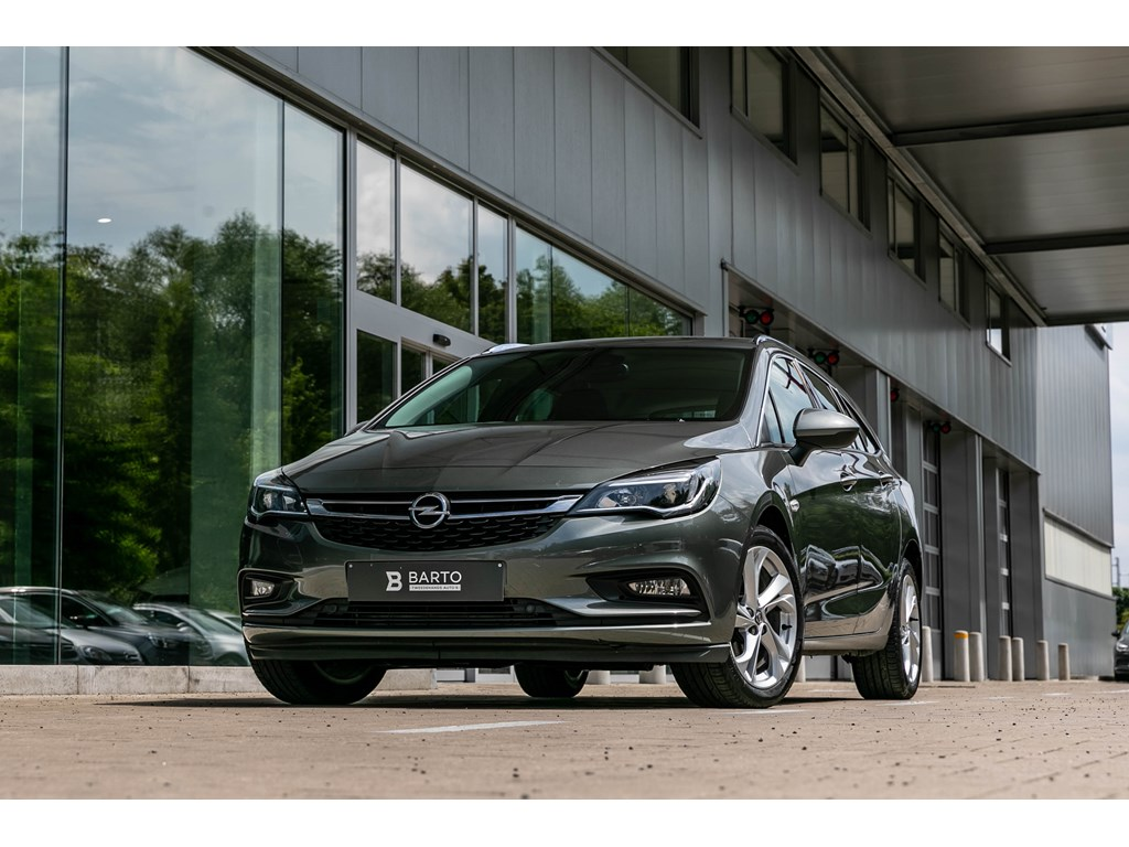 Tweedehands te koop: Opel Astra Grijs - Break14T 150pk AutoInnovNavi