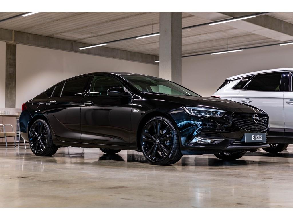 Tweedehands te koop: Opel Insignia Zwart - Black Edition15T BenzInnovatLederLEDMatrixZwarte 20 alu velg