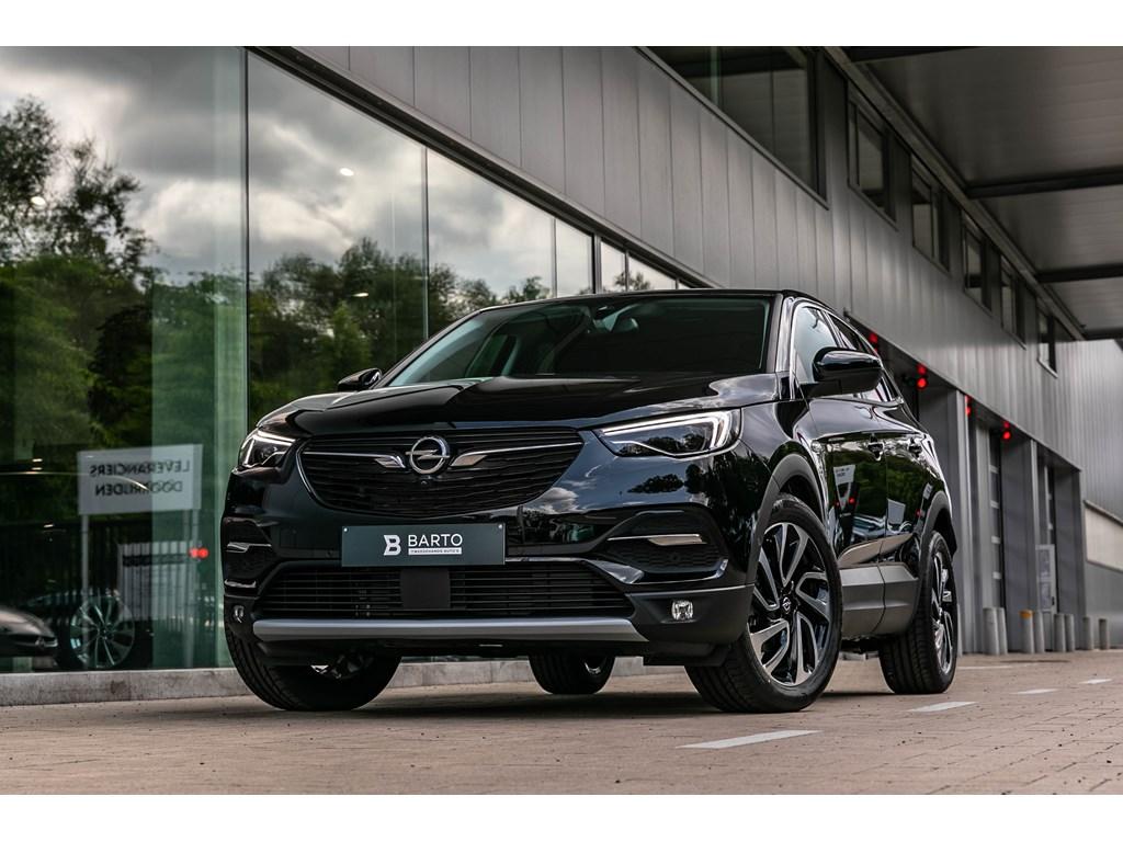 Tweedehands te koop: Opel Grandland X Zwart - 16T Autom 180pkLED360CameraVerwZetels