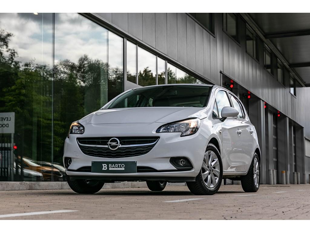 Tweedehands te koop: Opel Corsa Wit - 14 BenzNavigatieAlu velgenAirco