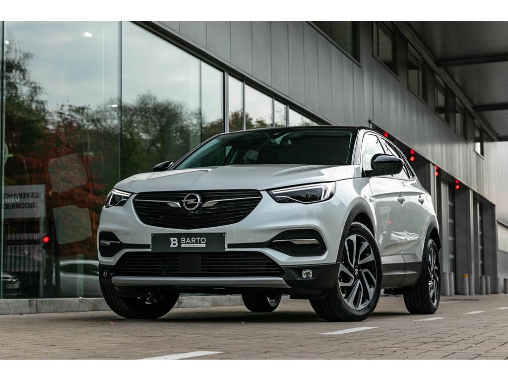 Tweedehands te koop: Opel Grandland X Wit - 16T Autom 180pkLED360CameraVerwZetels