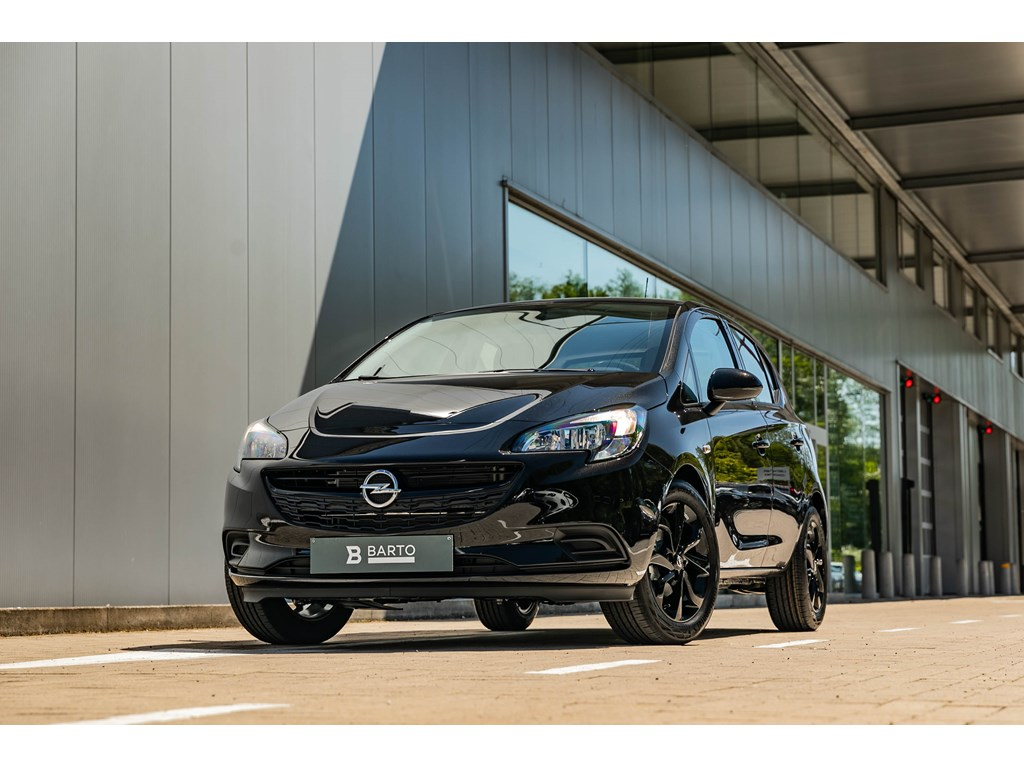 Tweedehands te koop: Opel Corsa Zwart - 12Benz Full Black Edition Navigatie