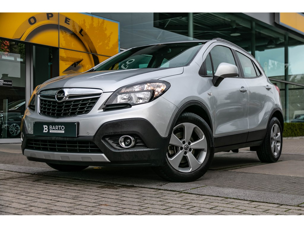 Tweedehands te koop: Opel Mokka Wit - 14 benzEnjoyNaviParkeersensAuto Lichten