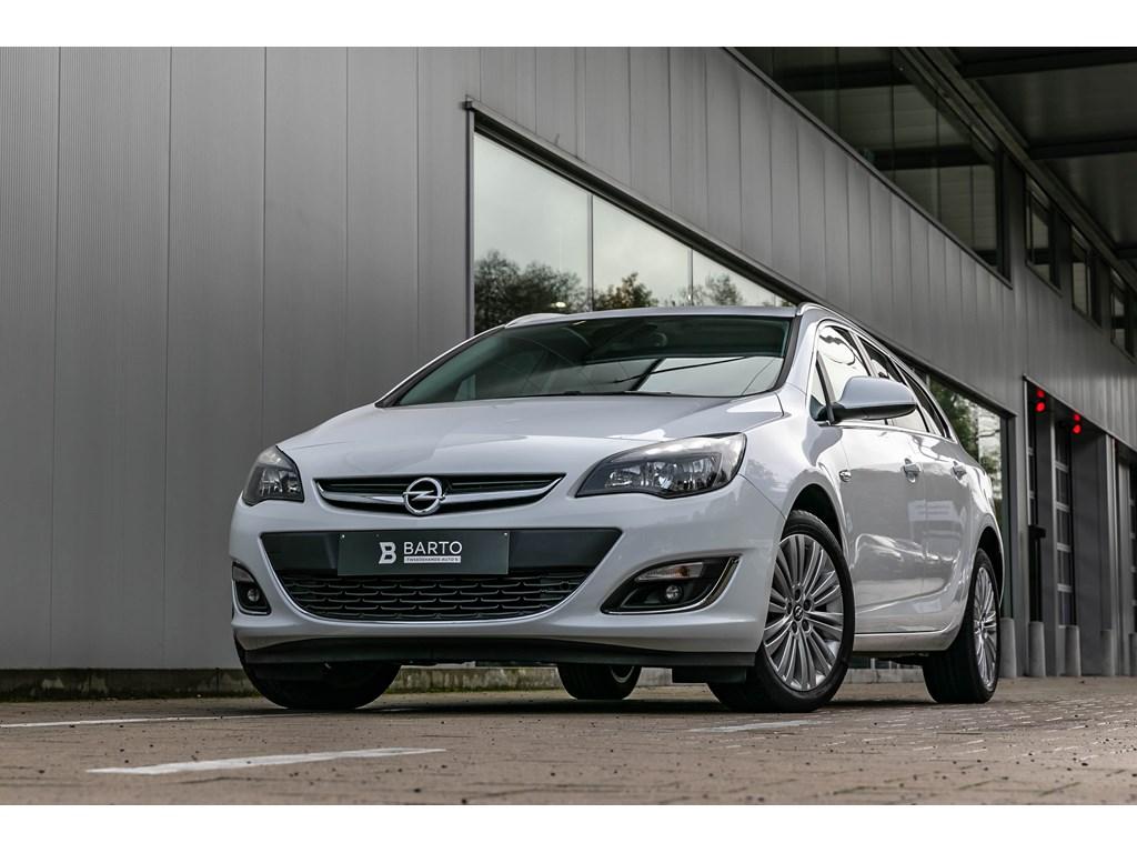 Tweedehands te koop: Opel Astra Wit - 16benz Automaat-Break-Navi-Parkeersens-