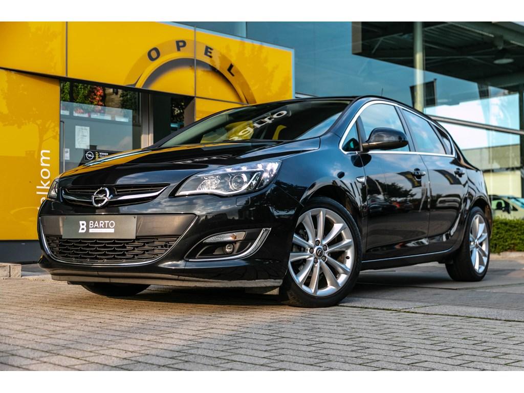 Tweedehands te koop: Opel Astra Zwart - 14TurboCOSMOXenonParkeersensVerwarmde zetelsAirco