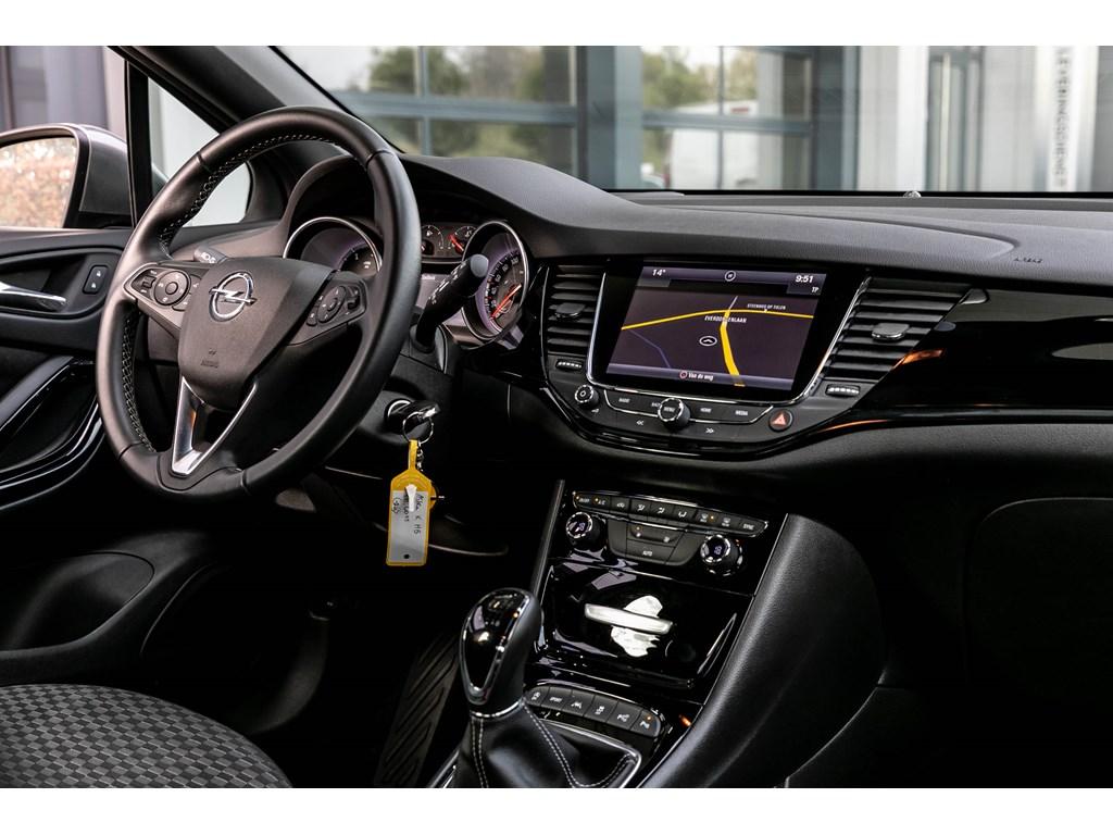 Tweedehands te koop: Opel Astra Zilver - 16D 136pkDynamicCameraOfflaneDodehoeksens