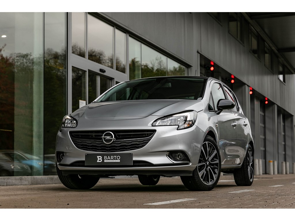 Opel-Corsa-Zilver-5-deurs-14-Benz-90pk-Black-Edition-Camera-Parkeersens-Alu-velgen-
