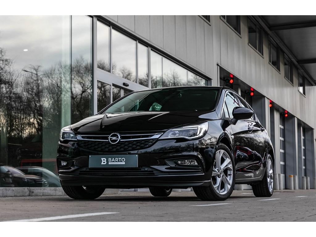 Tweedehands te koop: Opel Astra Zwart - 5D Innov 14T 125pk Navi Ergo zetels