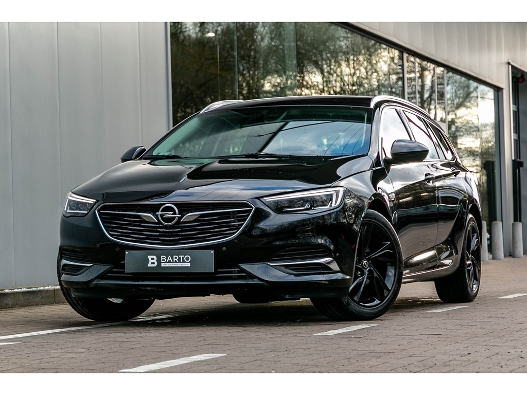 Tweedehands te koop: Opel Insignia Zwart - 15T AUTOM Innov MATRIX Winterpack