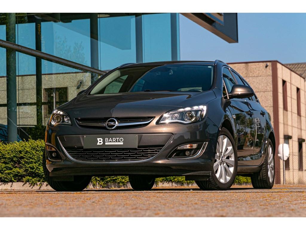 Tweedehands te koop: Opel Astra Grijs - 14 TurboBreakLederXenonNaviTrekhaak