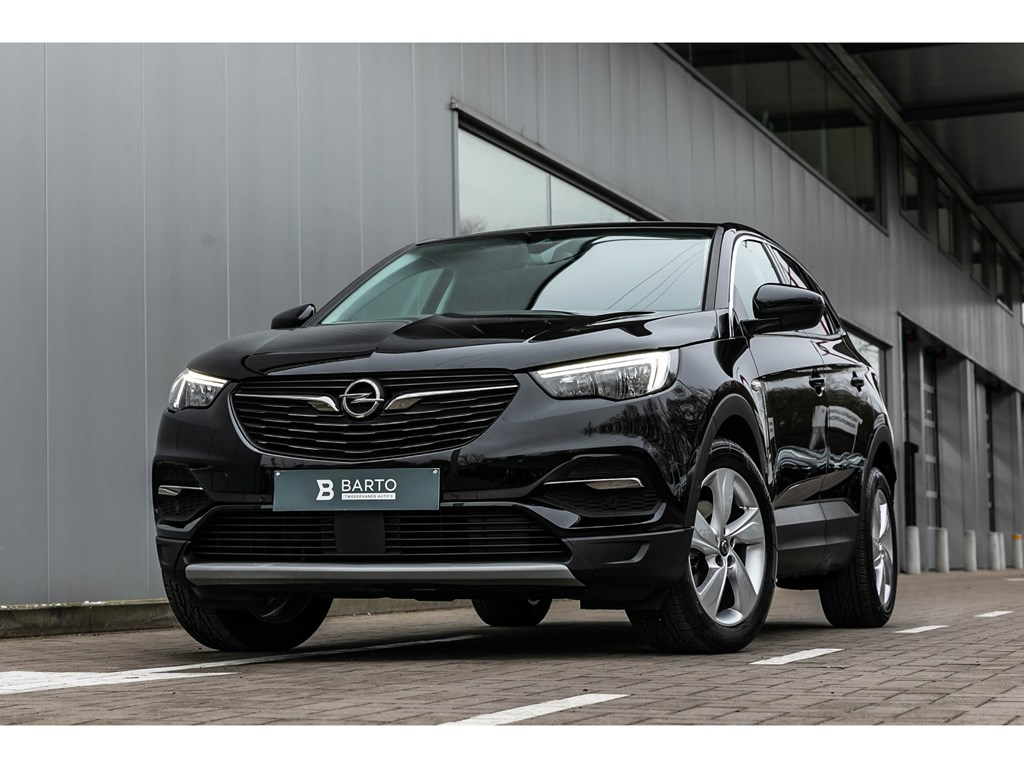 Tweedehands te koop: Opel Grandland X Zwart - 130 PK Autom Innov Allroad pack Alu velgen