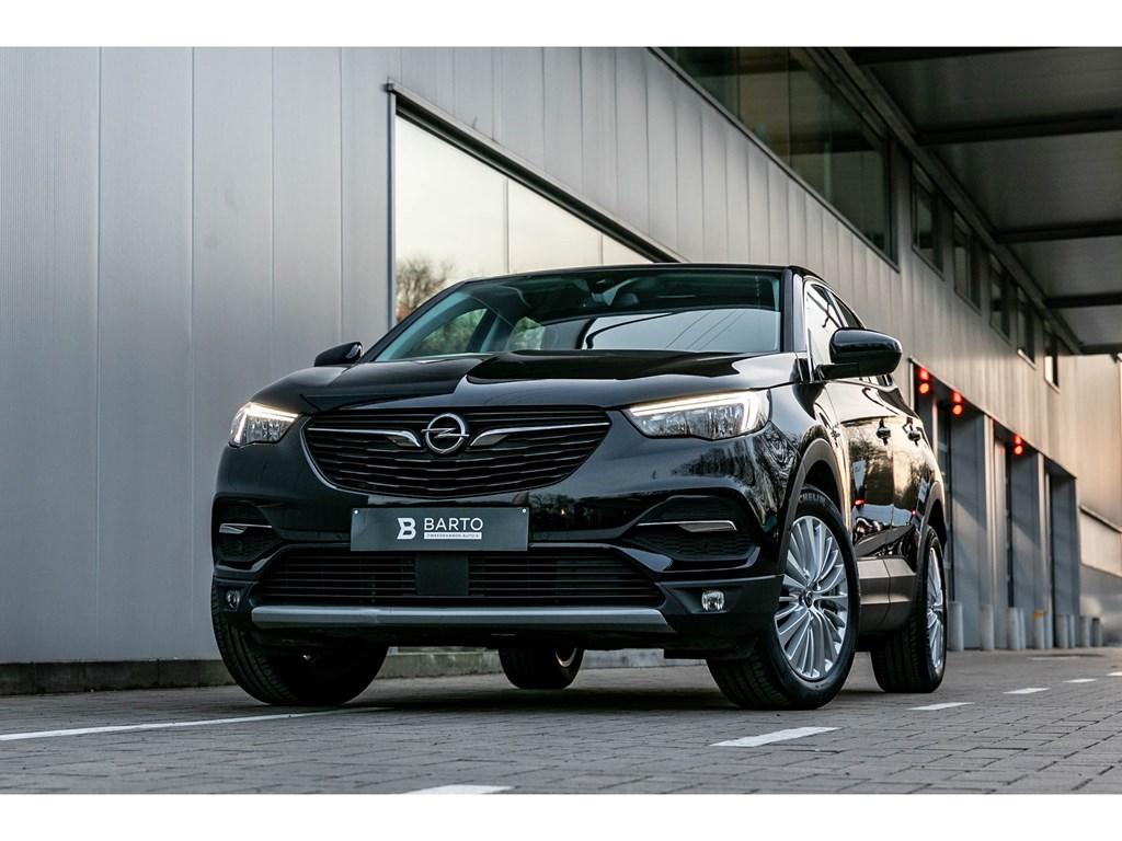 Tweedehands te koop: Opel Grandland X Zwart - 130PK Autom 8AT Innovation CameraAuto Inparkeren