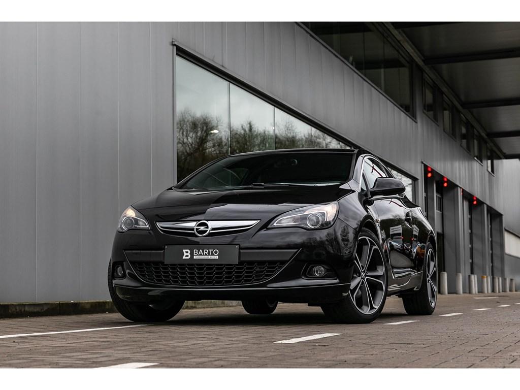 Tweedehands te koop: Opel Astra Zwart - GTC16d 136pkOPClineNaviParkeersens