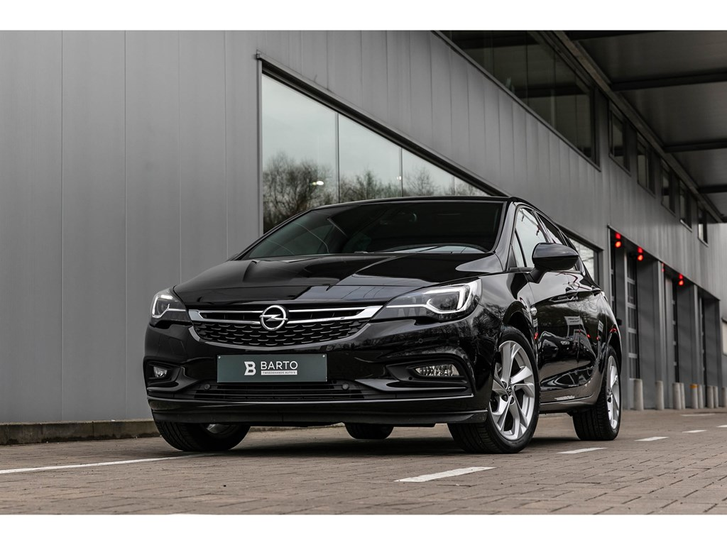 Tweedehands te koop: Opel Astra Zwart - 14T 150PKLederMatrixAutomAlu velg
