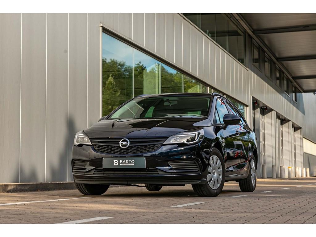 Tweedehands te koop: Opel Astra Blauw - 14benzComfortAircoTrekhaakAutoLichten