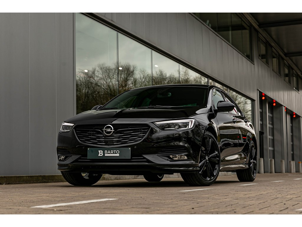 Tweedehands te koop: Opel Insignia Zwart - Exclusive NIEUW Full Black 165pk