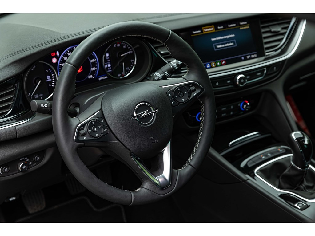 Opel-Insignia-Blauw-ST-16-D-Innovation-Leder-