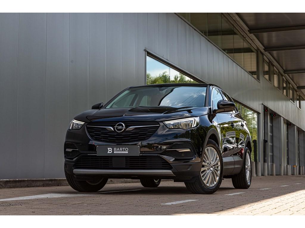 Tweedehands te koop: Opel Grandland X Zwart - 20D 177pk InnovationAT8Elektr KofferDodehoeksens2000kg trekverm
