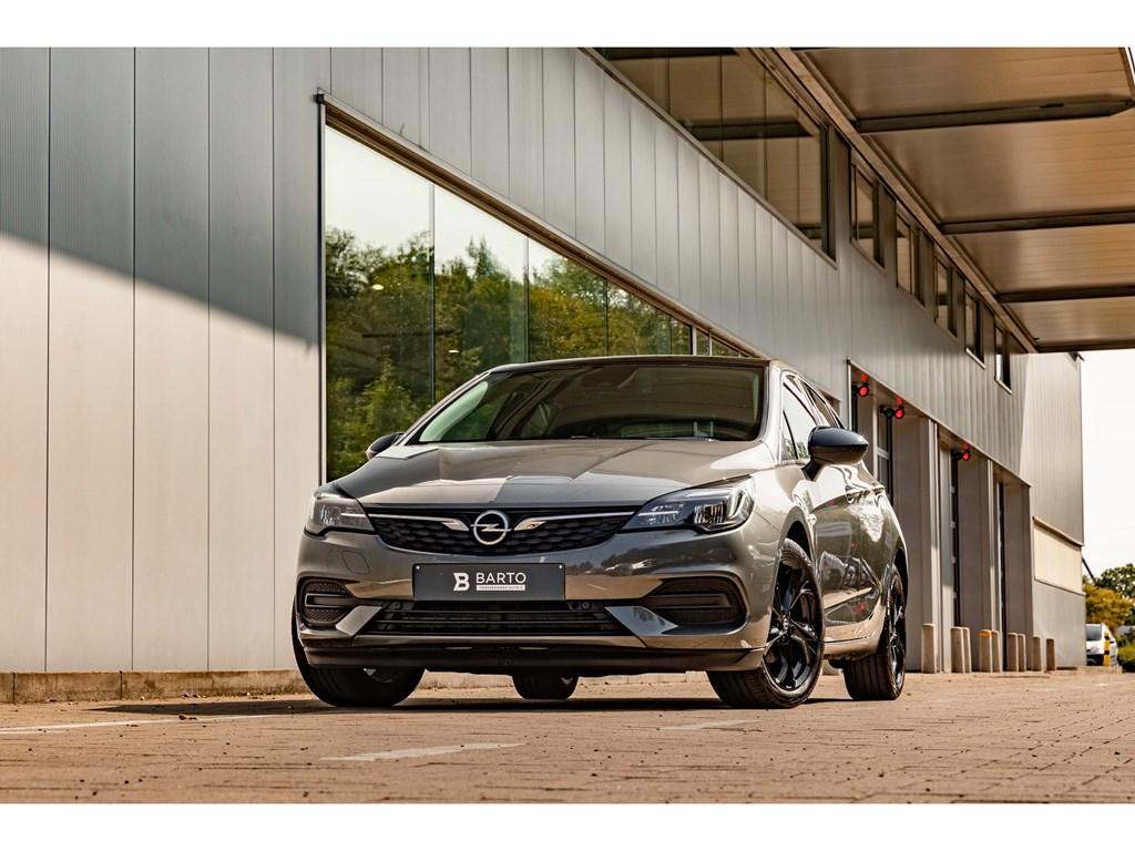 Tweedehands te koop: Opel Astra Grijs - 15DieselBlackEditionCameraNaviAutoAircoWeinig KMs