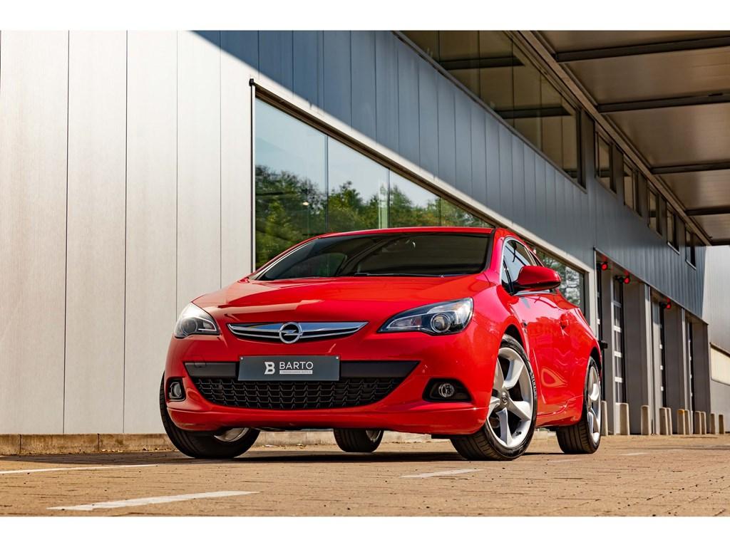 Tweedehands te koop: Opel Astra Rood - Astra GTC14benzOPCline intextNaviParkeersens