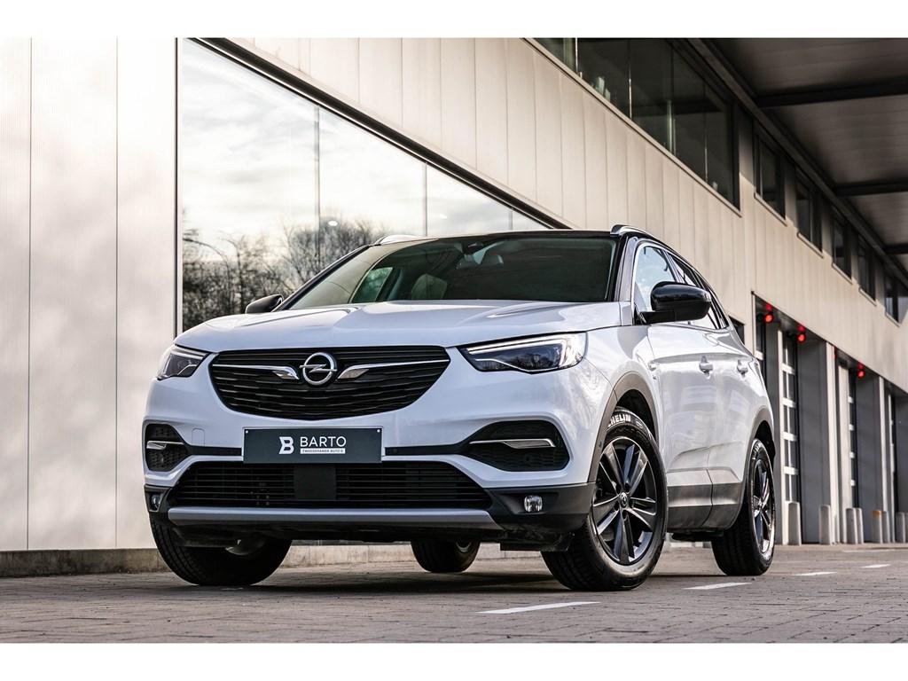 Tweedehands te koop: Opel Grandland X Wit - 130PKLEDNaviCameraZwart dakErgo zetels