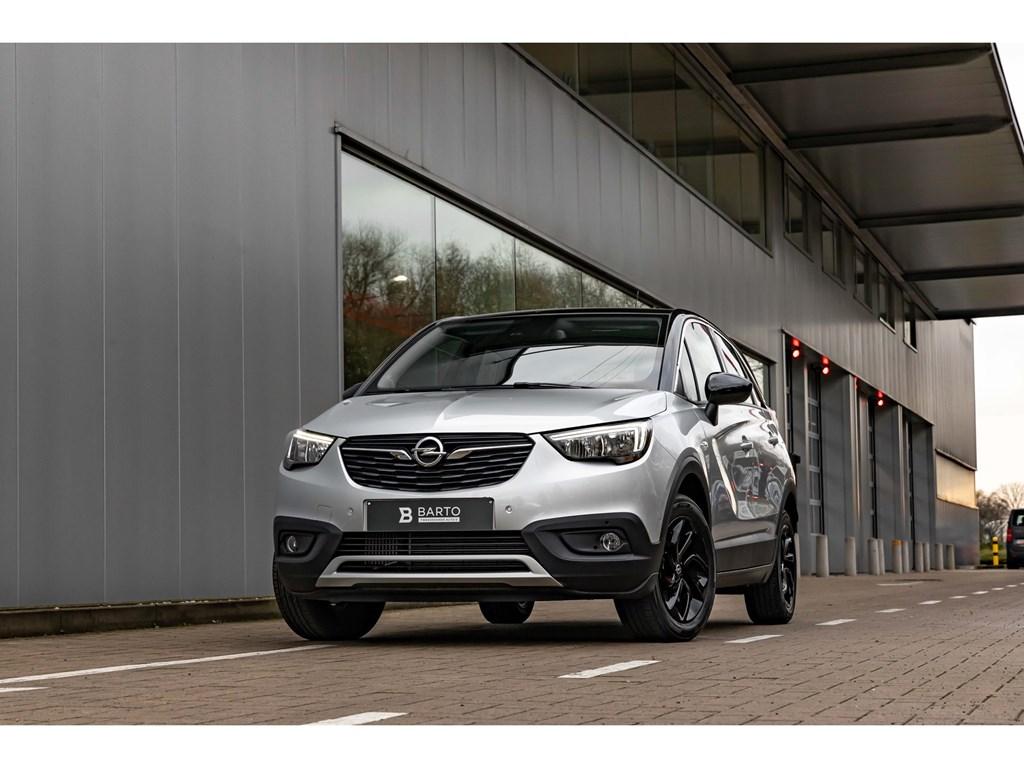 Tweedehands te koop: Opel Crossland X Zilver - 12Turbo 130pkCameraDodehoeksensAuto AircoBlack editionKeyless entrystart