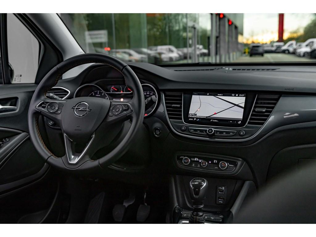 Tweedehands te koop: Opel Crossland X Grijs - 12Turbo 130pkCameraDodehoeksensAuto AircoBlack editionKeyless entrystart