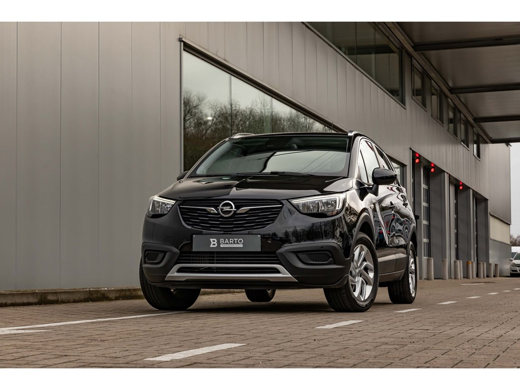 Tweedehands te koop: Opel Crossland X Zwart - 12Benz ATInnovationCameraSensoren vaAuto Airco