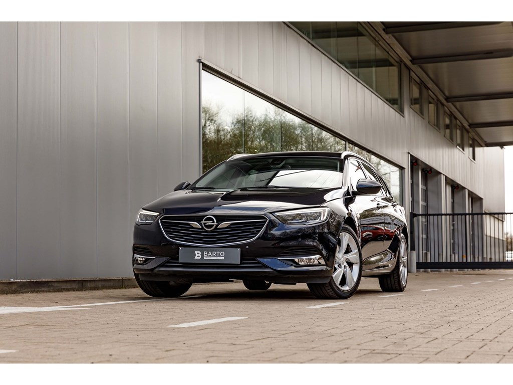 Tweedehands te koop: Opel Insignia Blauw - 15 BenzInnovationVolledig LederLEDMatrixCamera