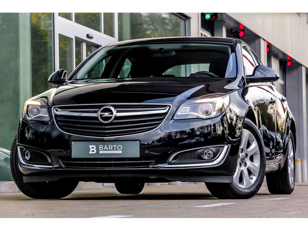 Tweedehands te koop: Opel Insignia Zwart - 20d 130pk - AUTOMAAT - Weinig Kms - Parkeersens - Airco - Navi -