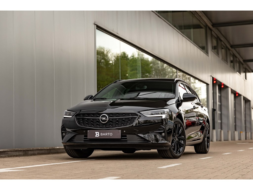 Tweedehands te koop: Opel Insignia Zwart - 20Turbo D 174pk AT8UltimateFull BlackLEDMatrixWeinig kms