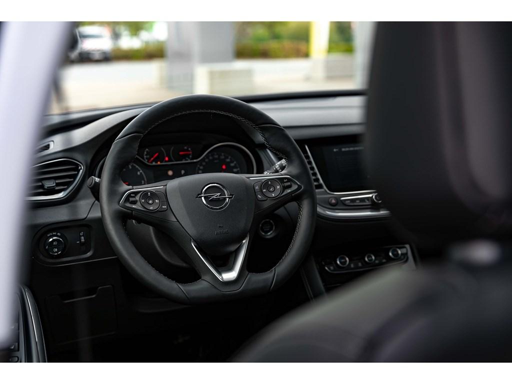 Tweedehands te koop: Opel Grandland X Grijs - 16Benz 180pk ATLEDPano DakVolledig LederDenon SoundAfn Trekhaak