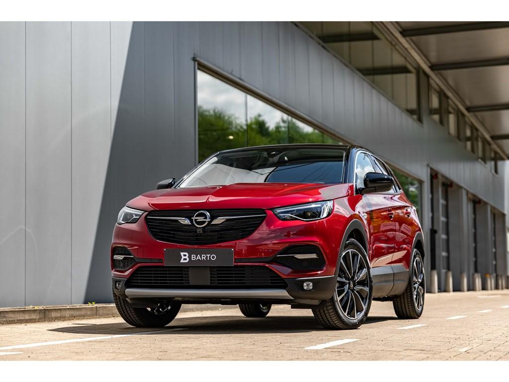 Tweedehands te koop: Opel Grandland X Rood - 16Benz 180pk ATLEDPano DakVolledig LederDenon SoundAfn Trekhaak
